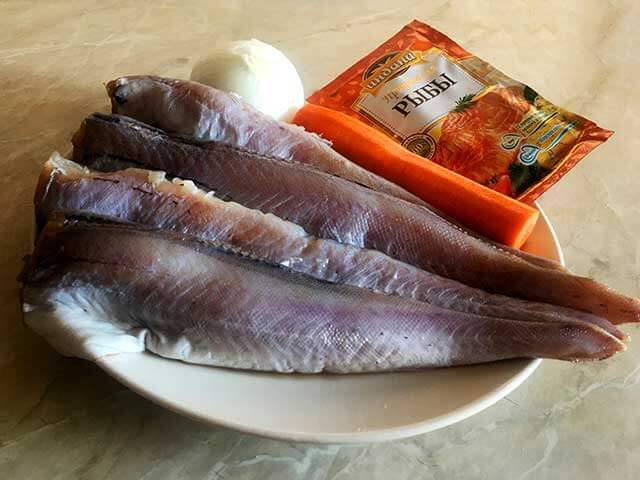 Минтай , лук, морковь