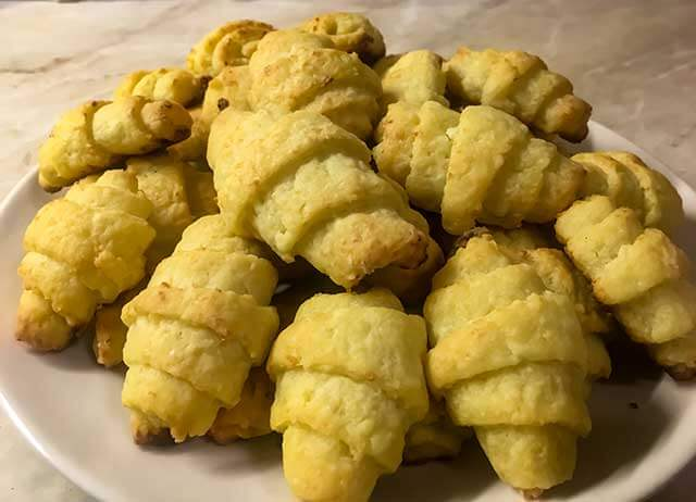 Печенье из творога рогалики