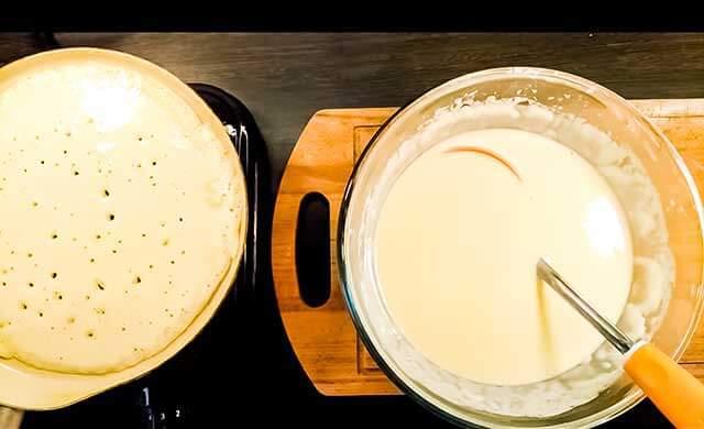Наливаем тесто