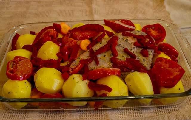 Картошка с индейка в форме для запекания